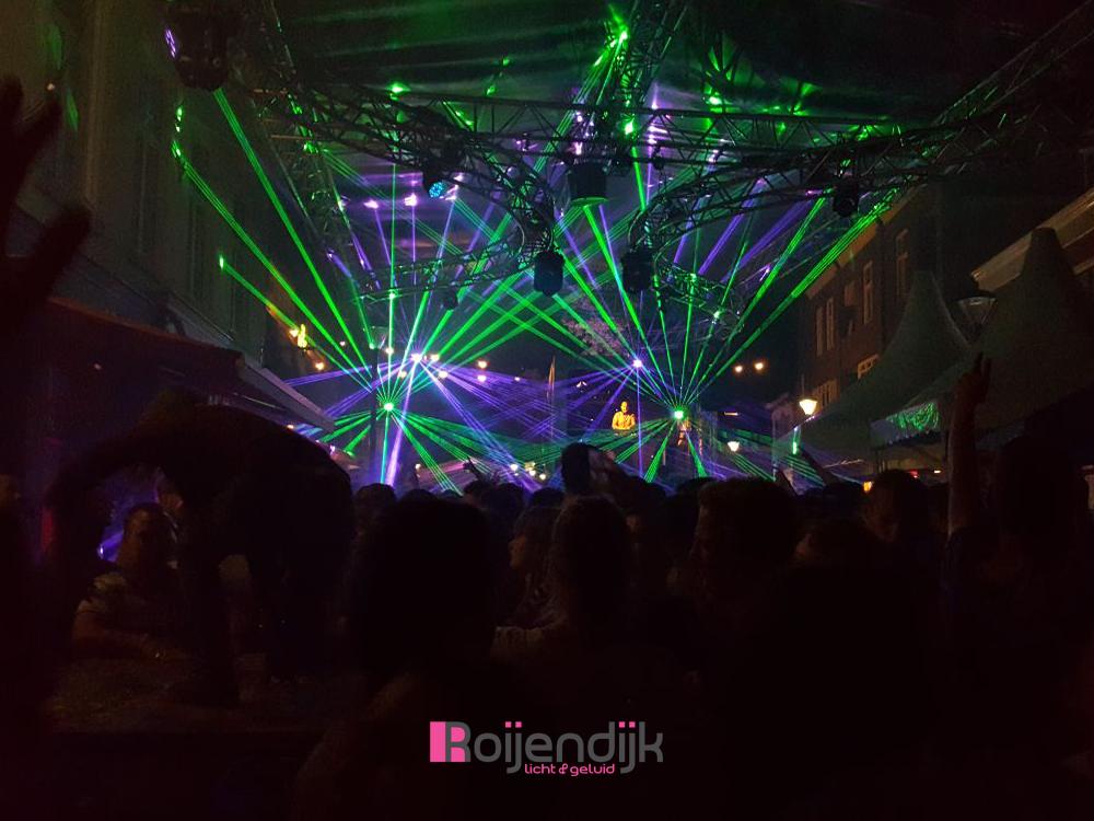 Kermis Boxmeer 2017 | Cantina La Bamba | Roijendijk Licht en geluid verzorgde hier de Audio | Special FX | Dj Apparatuur | Sfeer en show verlichting | Geluid en Licht technici