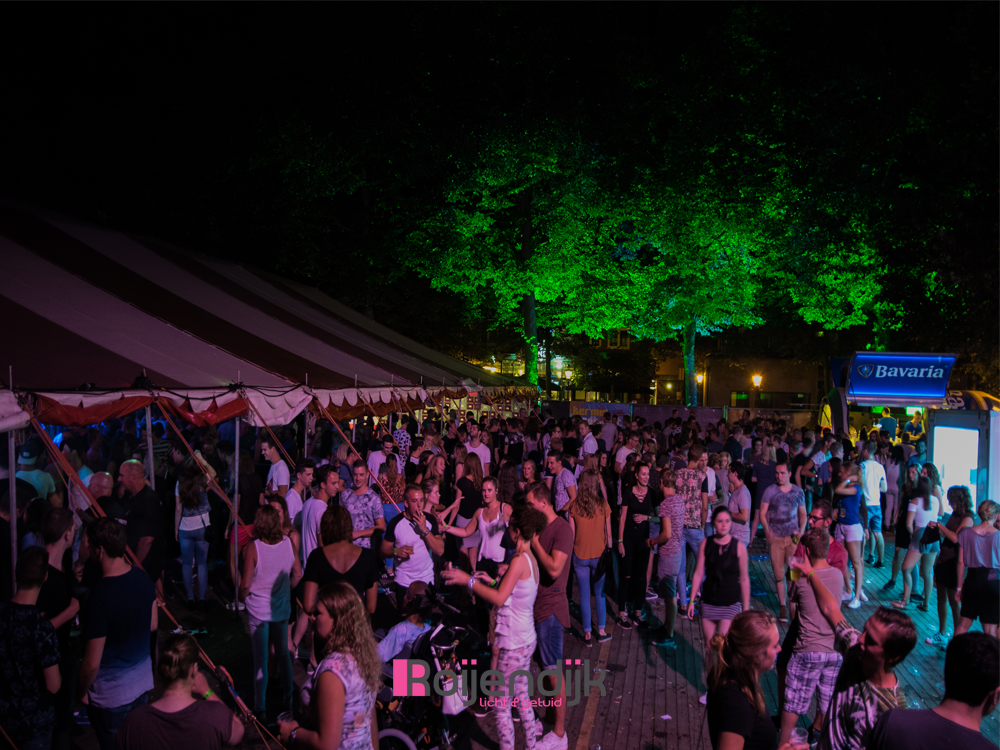 zomer feesten, Sint anthonis, uitgaan, sfeer, dansen, licht, geluid, Roijendijk licht en geluid, RLG, R-LG, Mill, verhuur, licht, geluid, laser