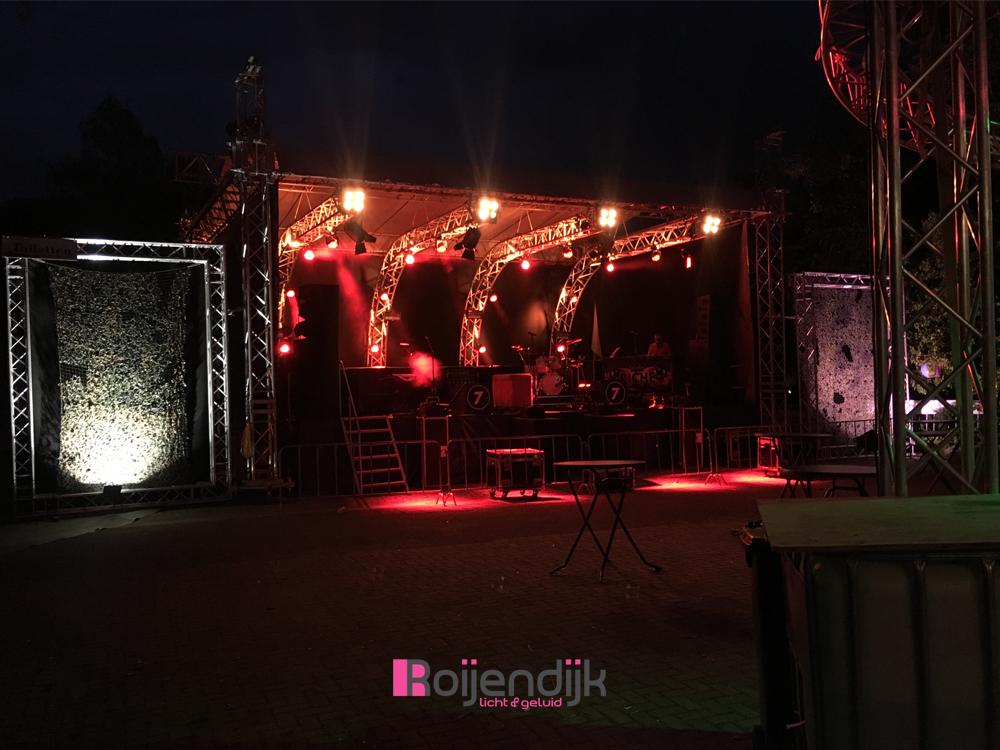 Tuin feestje festival, Boxmeer, Riche, Cantina La Bamba, Roijendijk Licht En Geluid, RLG, R-lg, licht, geluid, special fx, lasers, live muziek