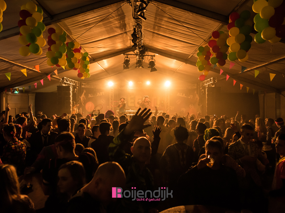 Carnaval gezamenlijke Horeca Mill | Roijendijk Licht En Geluid | RLG | R-LG [Martin Rush MH3. Martin Mac 101. Martin Atomic 3000. CLF Beam 6. Showtec Spectral M800.