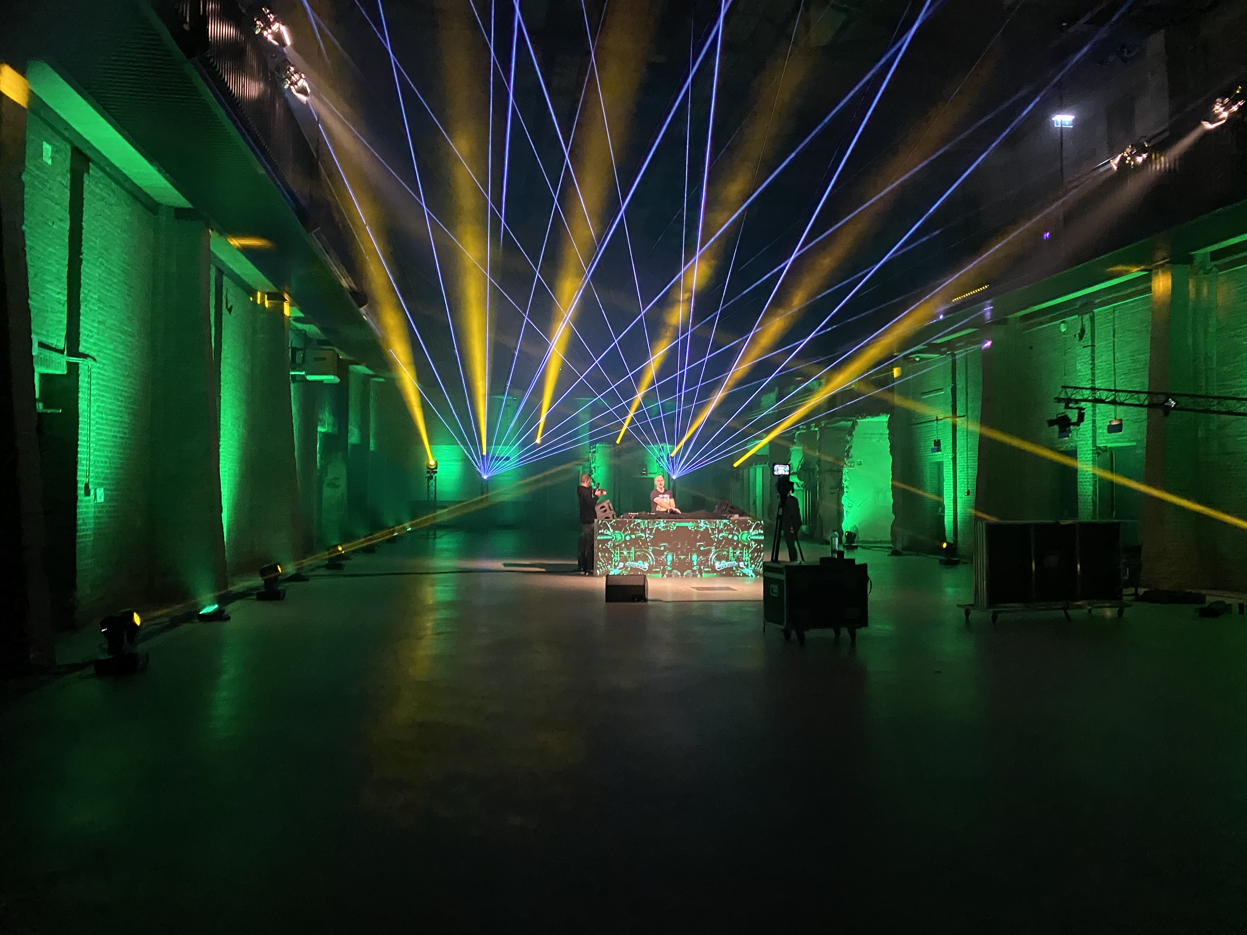 Overture opening avond carnaval 2019 in Sint Michielsgestel | De Huif | Roijendijk Licht En Geluid | RLG | R-LG [Martin Rush MH3. Martin Mac 101. Martin Atomic 3000. CLF Beam 6. Showtec Spectral M800.
